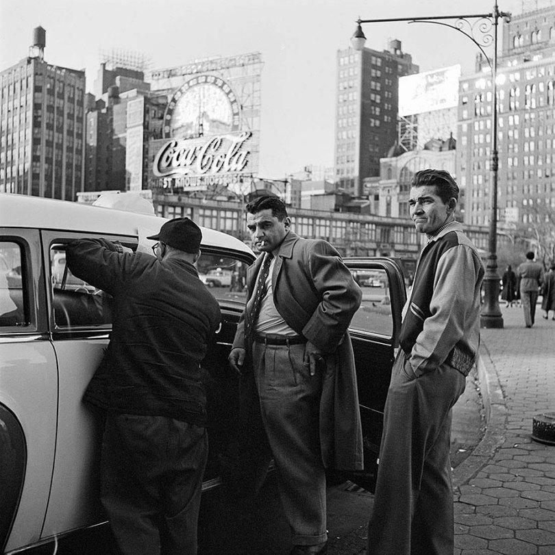 new york chicago street photography vivian maier 34 - Fotos perdidas de Vivian Maier do dia a dia americano nas décadas de 50 e 60