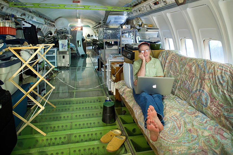 old-boeing-727-recycled-plane-home-bruce-campbell-12