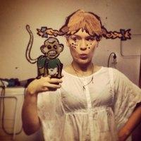 This Girl Takes Mirror Selfies To The Next Level