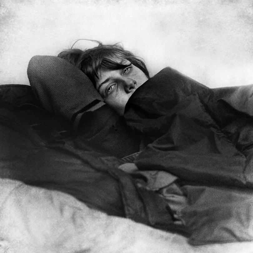 black white homeless portraits lee jeffries 11 - Projeto fotográfico de pessoas que vivem nas ruas