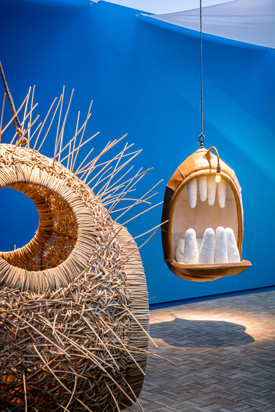 animal-mouth-hanging-chairs-monstera-deliciosa-porky-hefer-6