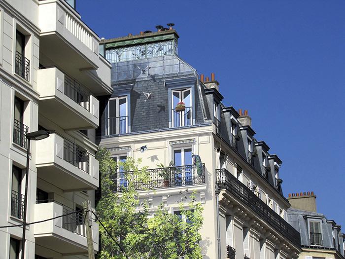 street art hyper realistic fake facades patrick commecy 22 - Artista francês transforma fachadas de prédios em desenhos cheios de vida