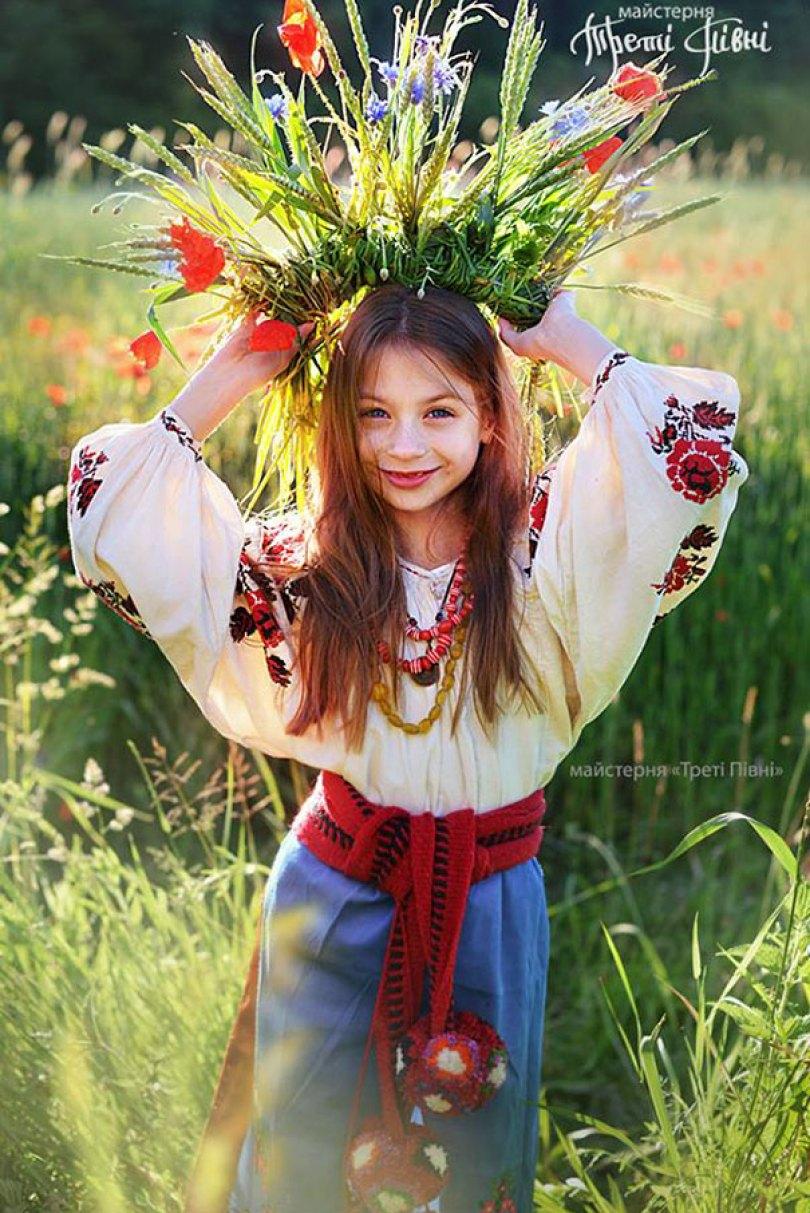 traditional ukrainian flower crowns treti pivni 10 - Mulheres e as coroas florais tradicionais de seu país