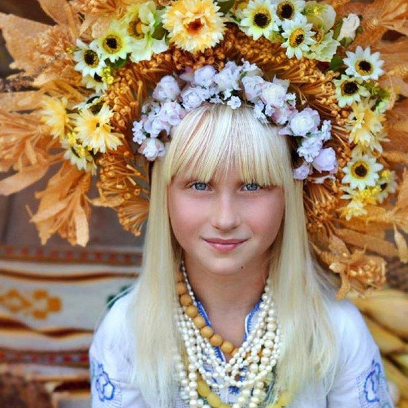 traditional ukrainian flower crowns treti pivni 14 - Mulheres e as coroas florais tradicionais de seu país