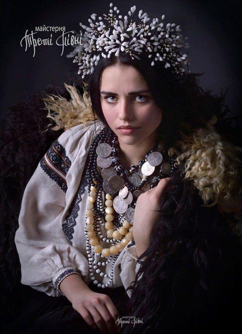 traditional ukrainian flower crowns treti pivni 5 - Mulheres e as coroas florais tradicionais de seu país