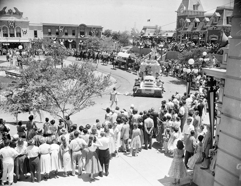 disneyland opening day 1955 23 - Dia de abertura da Disneylândia em 1955