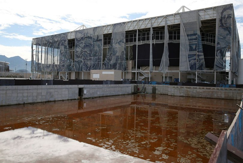 maracana olympic facilities fall apart urban decay rio 2016 10 - Como ficou o complexo olímpico do Rio 2016 após o evento?