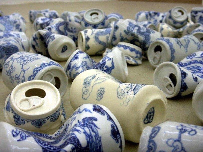 porcelain cans sculptures drinking tea lei xue 2 - Latas de refrigerante esmagadas feitas de porcelana