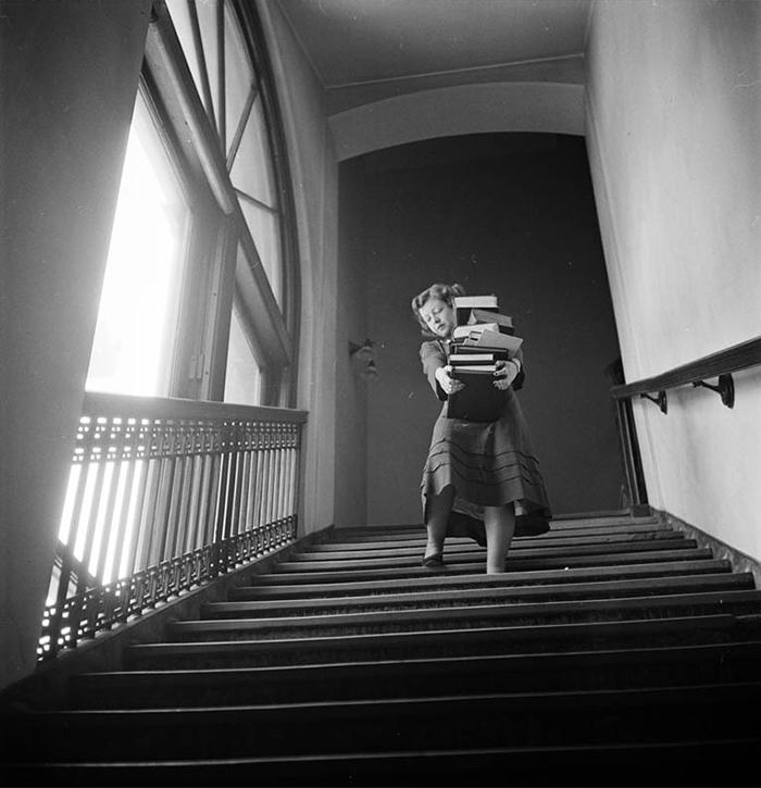 59ad11115964d vintage photographs new york street life stanley kubrick 32 59a91d2a25ccd  700 - Fotos de Stanley Kubrick com 17 anos revela que ele sempre foi um gênio
