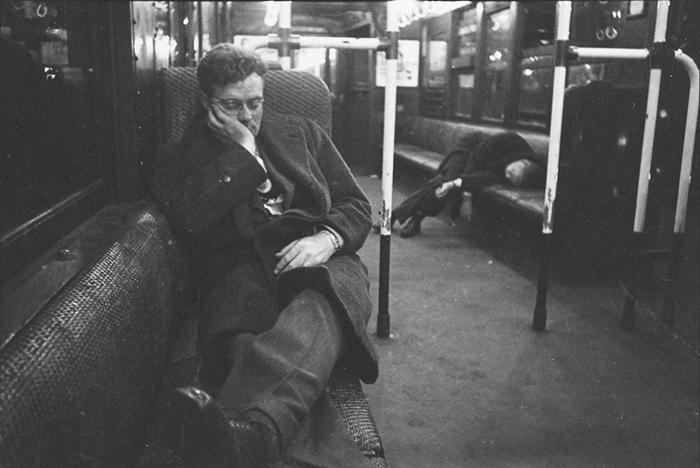 59ad1115203e3 vintage photographs new york street life stanley kubrick 49 59a91cf35bd18  700 - Fotos de Stanley Kubrick com 17 anos revela que ele sempre foi um gênio