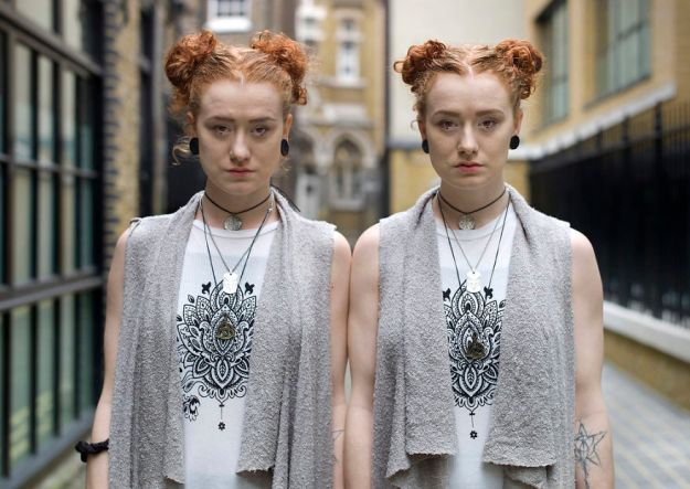 5abdf3cf476be-london-identical-twin-portraits-alike-but-not-like-peter-zelewski-18-5abb65de58dad__880 Photographer Captures Identical Twins Next To Each Other To Show How Different They Actually Are Photography Random