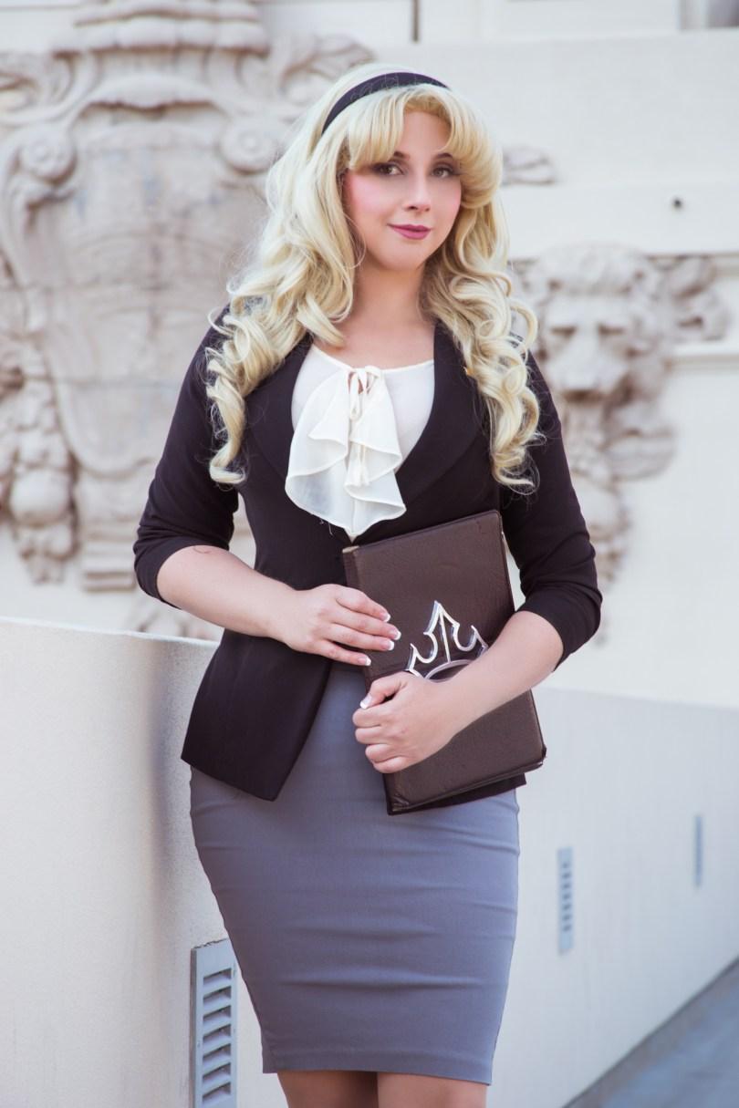 Aurora the Lawyer - E se as Princesas da Disney trabalhassem?