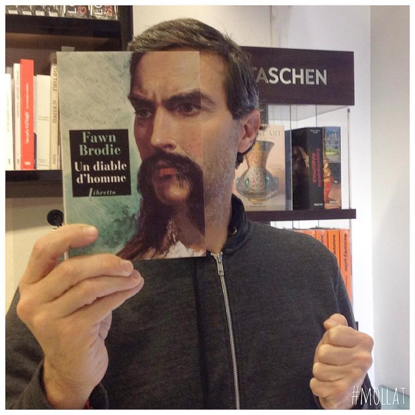 librairie mollat 15876224 712860845557992 5561198009334628352 n - Funcionários entediados de livraria se divertem com capa de livros