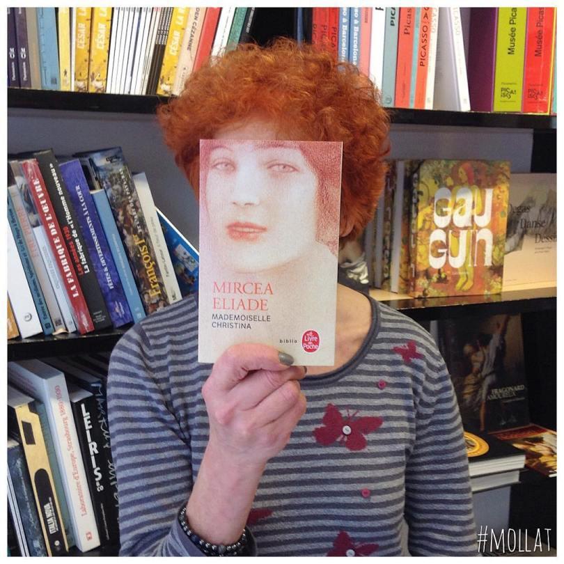 librairie mollat 28157763 2029954330593268 8369152068732059648 n - Funcionários entediados de livraria se divertem com capa de livros