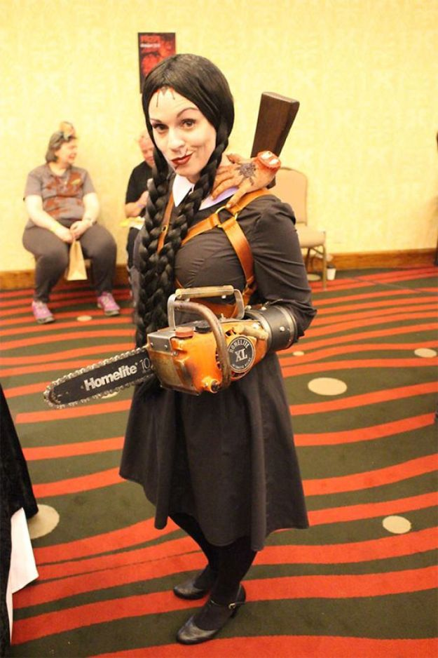 5ac5c8a5def35-pun-cosplay-ideas-2-5abca68f6767b__700 20+ Pun-tastic Costumes You'll Have To Look At Twice To Understand Random