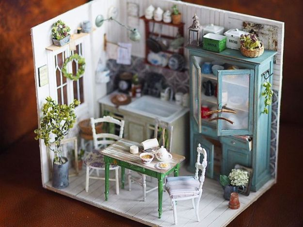 5ac6210d8cb6c-handmade-miniature-art-japanese-artist-kiyomi-67-5a16e0ab9efc5__700 Mother Of Two Wakes Up At 4 AM To Create Antique Dollhouses, And The Details Will Amaze You Art Random