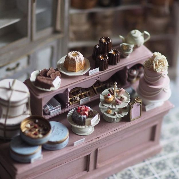 5ac6210e7963b-handmade-miniature-art-japanese-artist-kiyomi-96-5a16e17d13d5d__700 Mother Of Two Wakes Up At 4 AM To Create Antique Dollhouses, And The Details Will Amaze You Art Random
