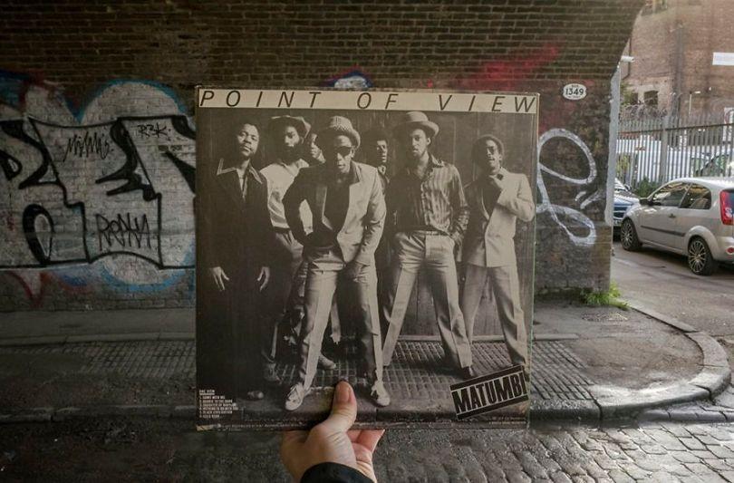 5accb8878893e Photographer does tour in London by registering the location of the iconic reggae vinyl album covers 5ac72bcbd827f  880 - Fotógrafo passa 10 anos rastreando os locais originais das capas de vinil