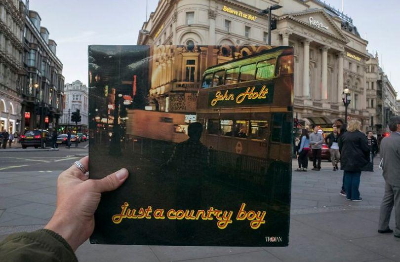5accb88ba03fa Photographer does tour in London by registering the location of the iconic reggae vinyl album covers 5ac72bcd971fc  880 - Fotógrafo passa 10 anos rastreando os locais originais das capas de vinil