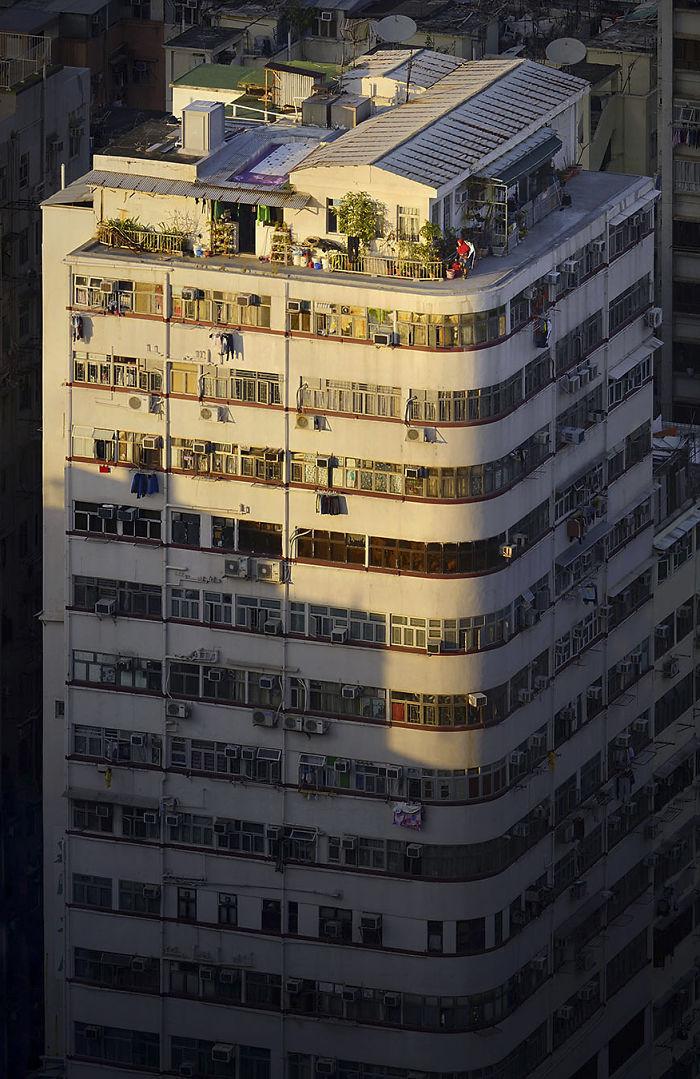 5ae2eb0df3db9 Breathtaking photos of Hong Kong rooftops from other rooftops 5ae04a5904b92  700 - 12 coisas interessantes este fotógrafo capturado nos telhados de Hong Kong
