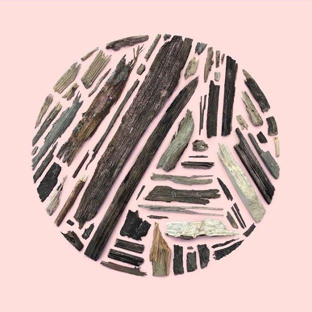 organizing-the-circle-series-kmsalvagedesign-kristen-meyer-15 Artist Arranges Everyday Objects To Make Perfect Art Pieces Art Random