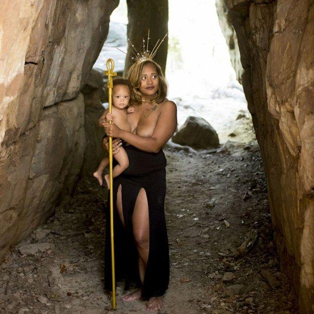 photography-photo-shoot-women-of-color-breastfeeding-angela-warren-lakisha-cohill-7 Goddesses Photoshoot Empowers Women Of Color To Breastfeed In Public Photography Random