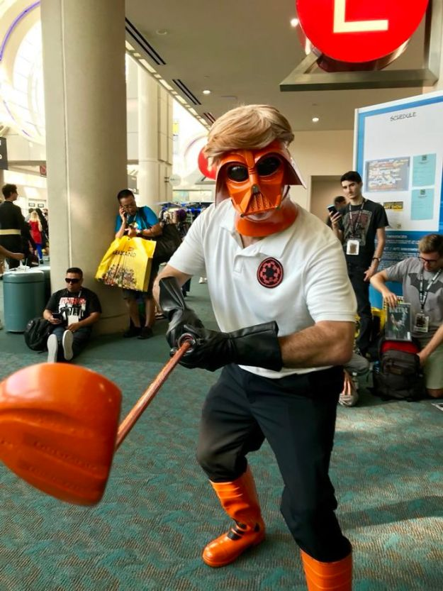 5b5eb680dfda6-1021179711697793024-png__700 15+ Best Cosplays From The San Diego Comic-Con 2018 Random
