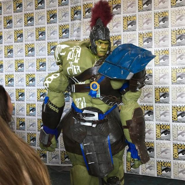 5b5eb68902571-best-cosplay-san-diego-comic-con-2018-5b59cb9961d3f__700 15+ Best Cosplays From The San Diego Comic-Con 2018 Random