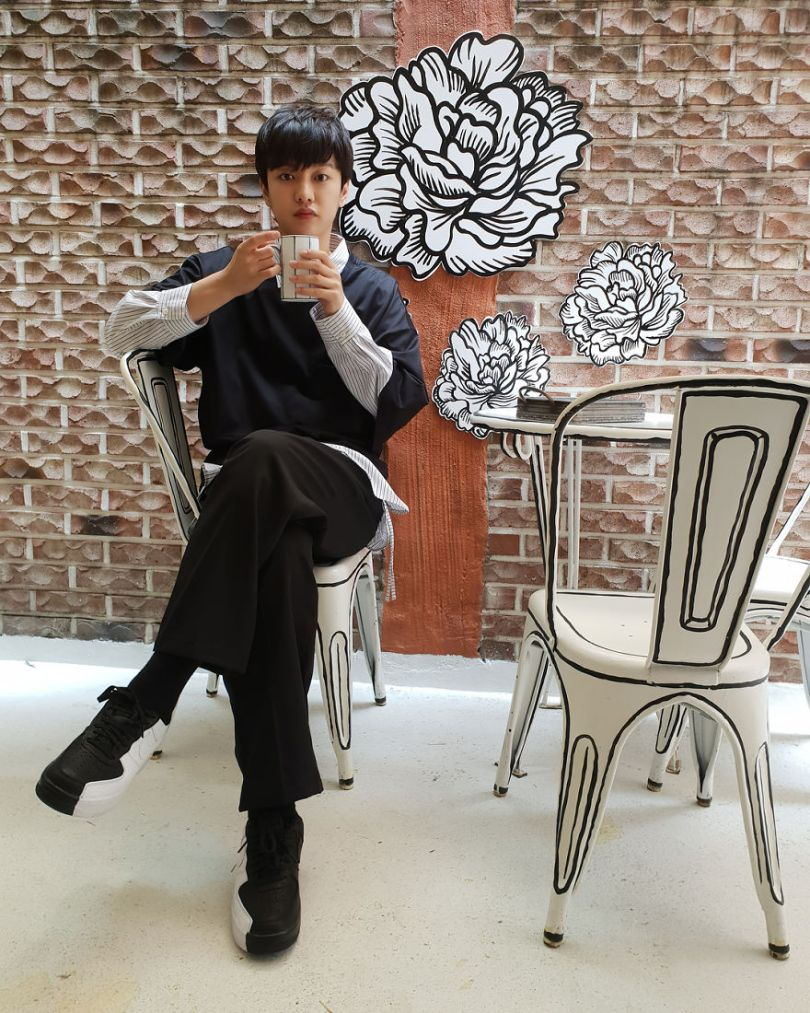 5ba8b473c524e In Seoul this unusual cafe makes its customers feel in a comic book 5ba4a56fc4a0d  880 - Cafeteria faz o cliente se sentir como se estivesse vivendo em um desenho animado