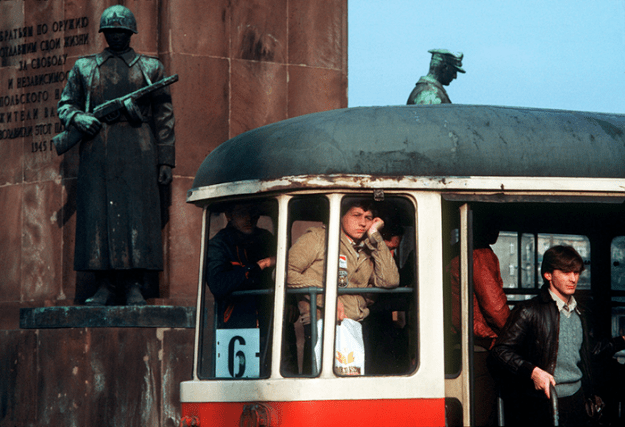 poland-in-early-80s-bruno-barbey-13 In The 1980's, This Photographer Traveled 40,000 Km Around Poland To Photograph Its Daily Life Photography Random