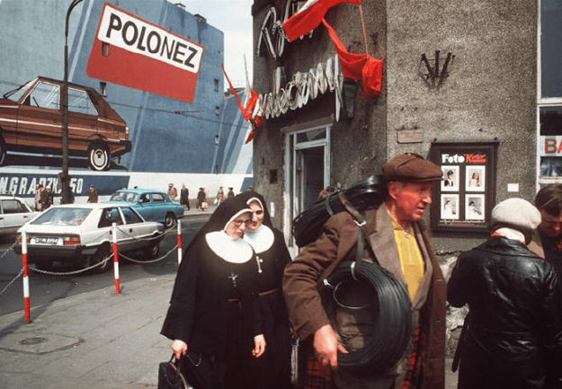 poland-in-early-80s-bruno-barbey-19-1 In The 1980's, This Photographer Traveled 40,000 Km Around Poland To Photograph Its Daily Life Photography Random