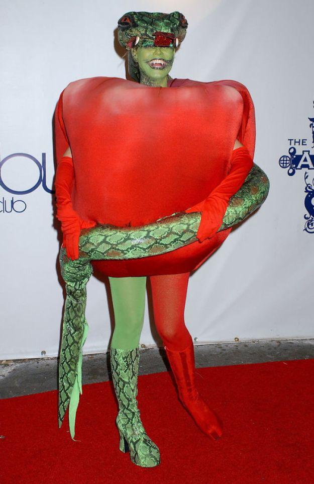 5bdaf525ead26-heidi-klum-halloween-costumes-2018-12-5bdaab69604fb__700 Heidi Klum Once Again Proves She's The Queen Of Halloween With This Year's Costume Random
