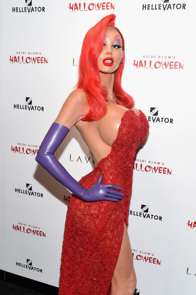 5bdaf528f26db-heidi-klum-halloween-costumes-2018-25-5bdaab0f31837__700 Heidi Klum Once Again Proves She's The Queen Of Halloween With This Year's Costume Random