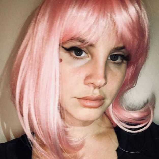 5be0554dd1d83-1541048203685_halloween2018lanadelrey-5bdc101f2cc34__700 30+ Celebrities Who Completely Nailed This Year's Halloween Random