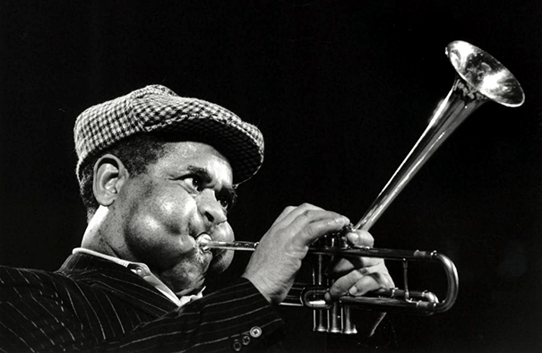 giant-cheeks-dizzy-gillespie-6 20 Photos Showing The Amazing Stretched Cheeks Of Legendary Jazz Player Dizzy Gillespie Random