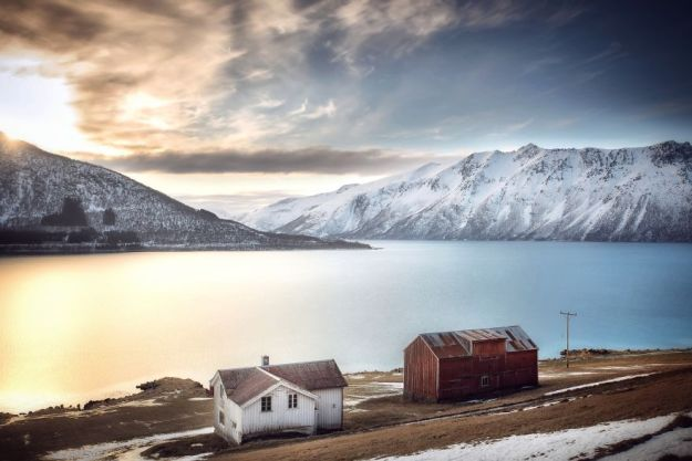 5c092cc8c7d93-IMG_20180226_184217_025-01-5bfd9517c65c2-jpeg__880 29 Photos Of Abandoned Houses In The Arctic By Norwegian Photographer Britt Marie Bye Photography Random Travel