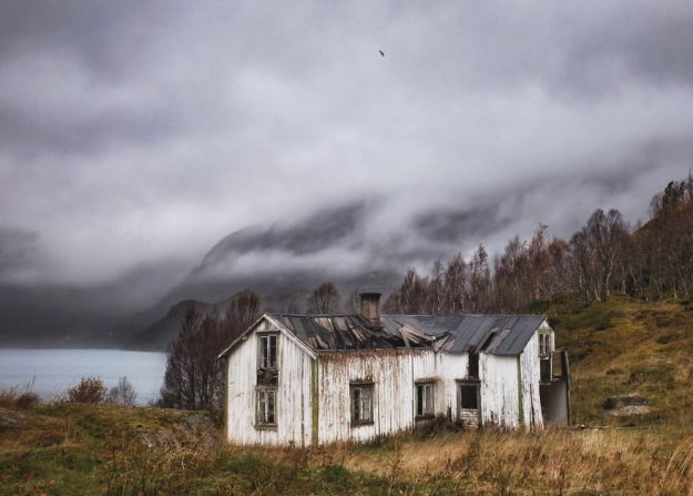 5c092cca8a994-2018-10-28-063735-2-5bfd94ced47d0__880 29 Photos Of Abandoned Houses In The Arctic By Norwegian Photographer Britt Marie Bye Photography Random Travel