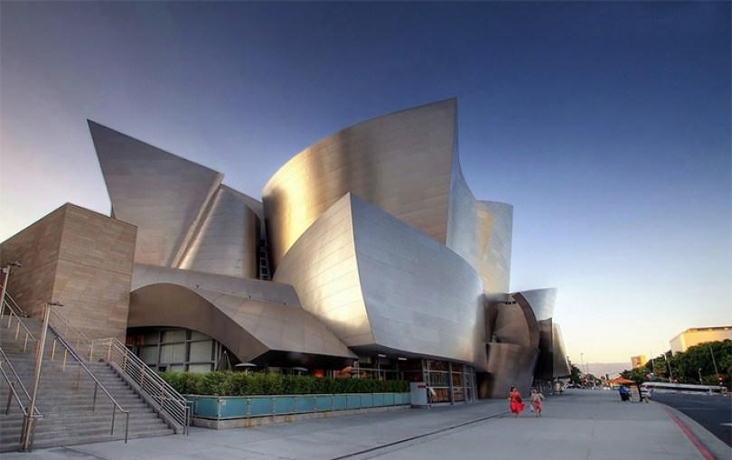 5c5011439332f Frank Gehry Modern Architecture 5c473c8d7b1a5  700 - Os impressionantes edifícios do arquiteto Frank Gehry