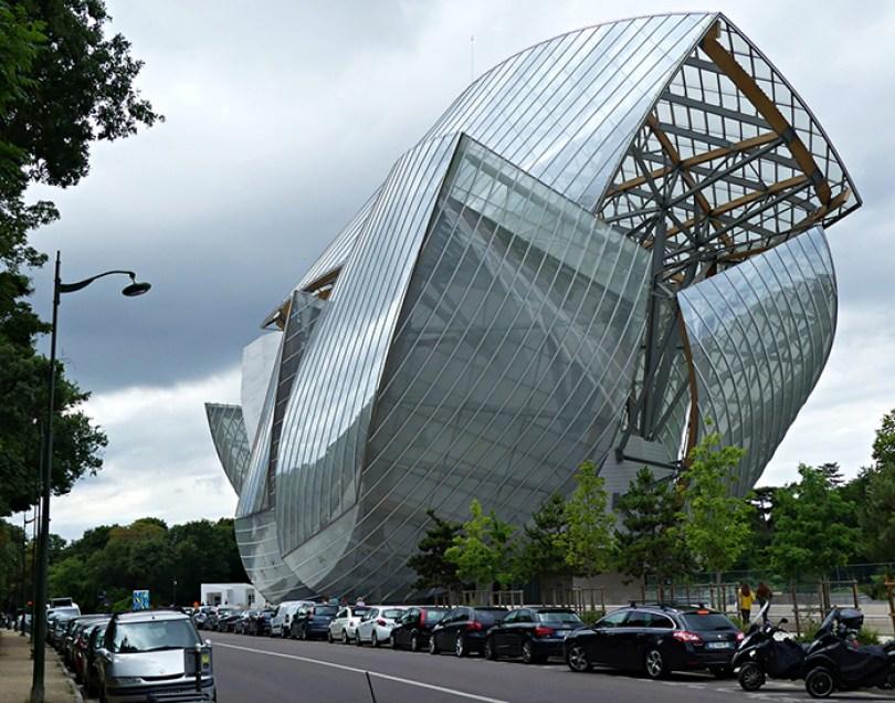 5c501144e1497 louis 5c48709896039  700 - Os impressionantes edifícios do arquiteto Frank Gehry