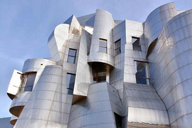 5c501145c690a 700 px weisman 2 5c47375ef0f03  700 - Os impressionantes edifícios do arquiteto Frank Gehry