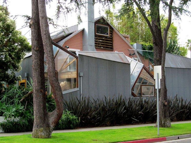 5c5011466d390 700 7193782608 ff5bade12c h 5c47371ea419e  700 - Os impressionantes edifícios do arquiteto Frank Gehry