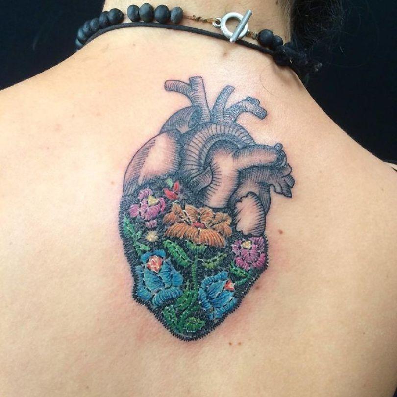 """5cab0304f2e16 BhPPhJshX B png  700 - 30 tatuagens em estilo """"bordado"""" são lindas e intrigantes"""