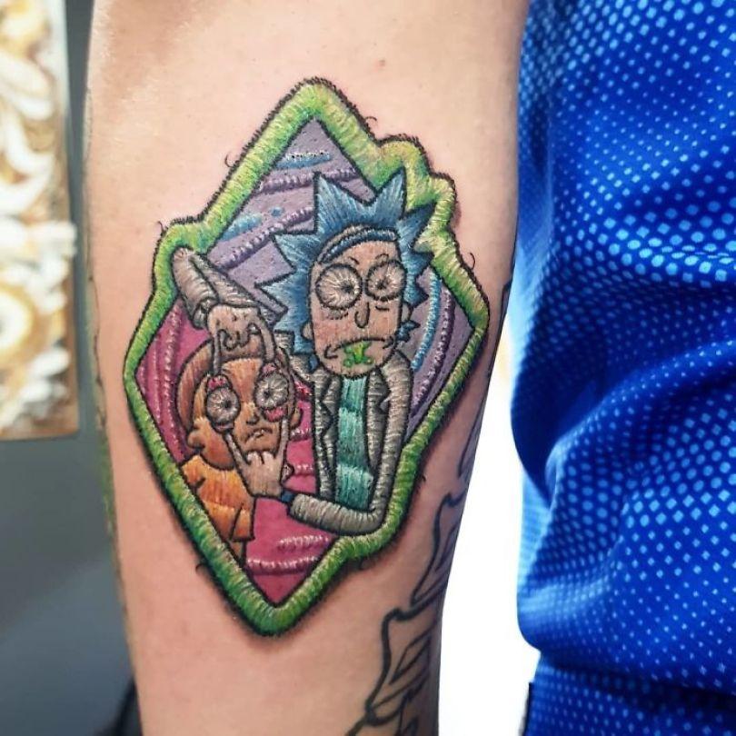 """5cab030641242 BuXGqjInY94 png  700 - 30 tatuagens em estilo """"bordado"""" são lindas e intrigantes"""