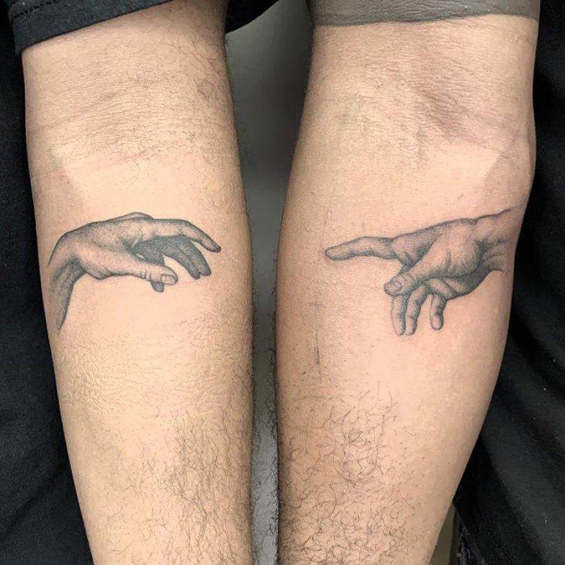 5cee3cde0444f matching tattoo ideas 9 5ce53db2323d4  700 - 30 criativas tatuagens conectadas entre pessoas