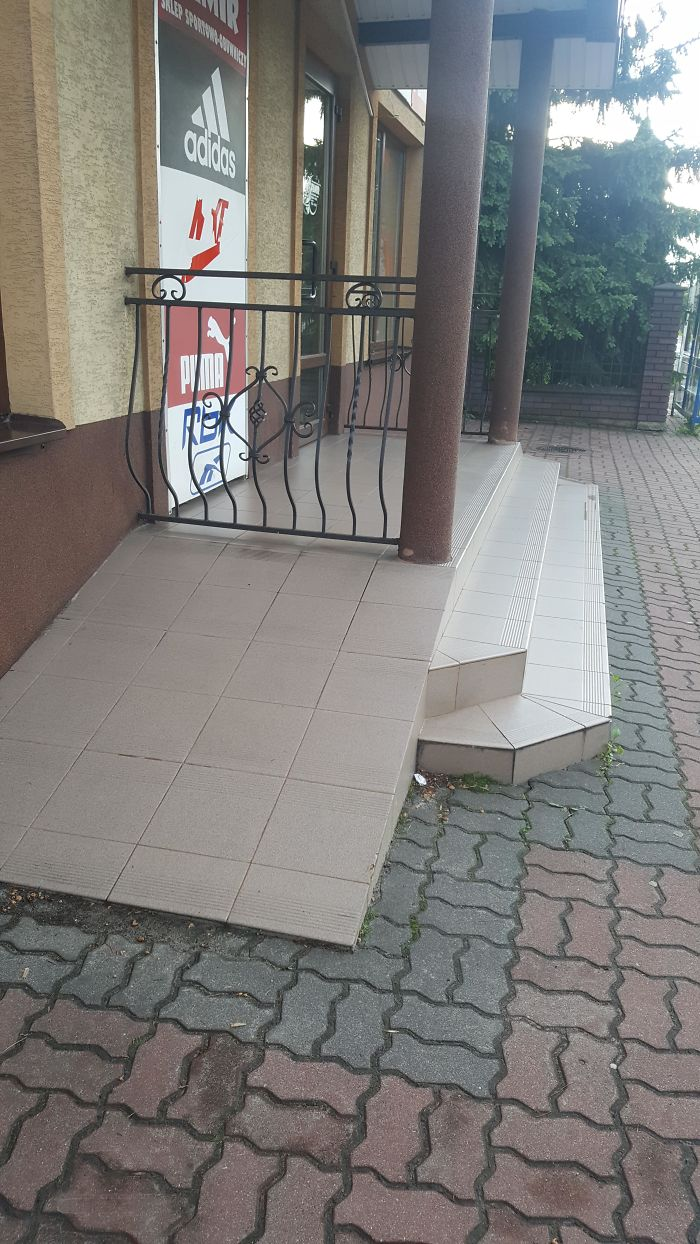 30 Times People Tried Installing Wheelchair Ramps But Failed