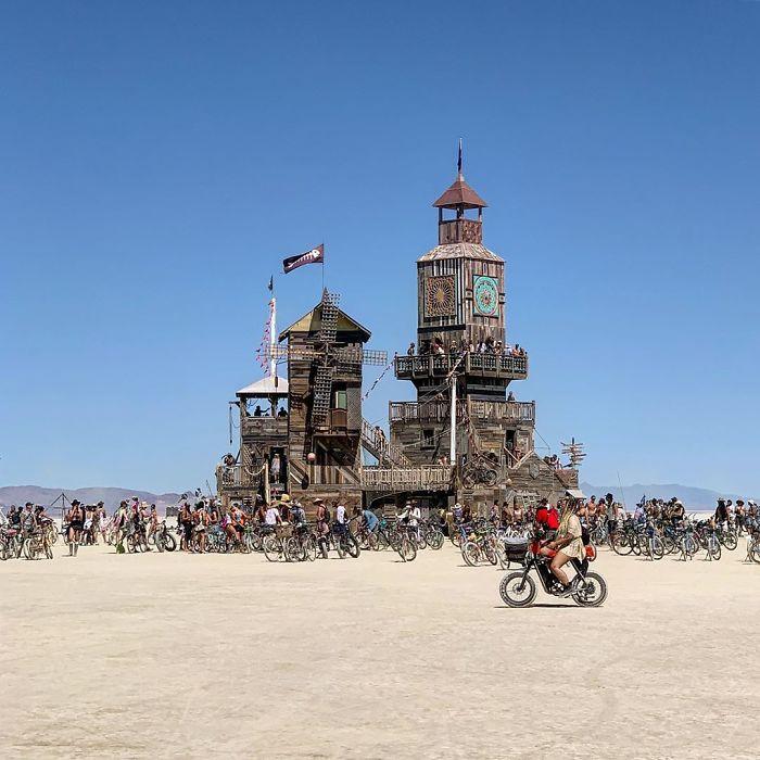5d6f6c51b71f7 icannotknow 3 9 2019 9 20 18 244 5d6e05fb052d6  700 - 30 fotos do festival Burning Man Nevada 2019