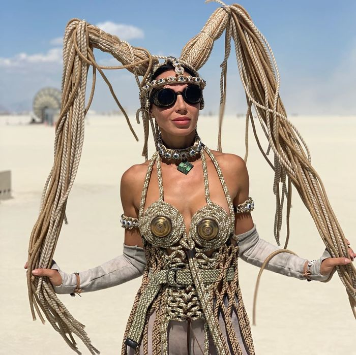 5d6f6c52bf799 B152p2SIJtV png  700 - 30 fotos do festival Burning Man Nevada 2019