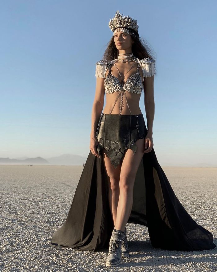 5d6f6c530c5c0 B12gBOpHDnS png  700 - 30 fotos do festival Burning Man Nevada 2019