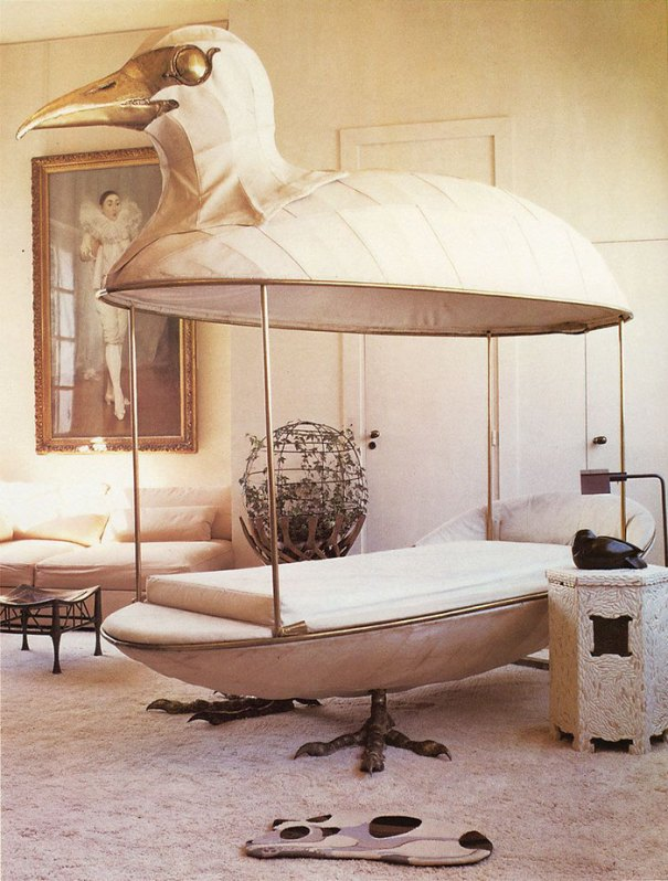 5d9ee095bf913 beds bedrooms with threatening auras 52 5d9da7160f138  700 - 30 camas bizarras que só precisavam ser compartilhadas