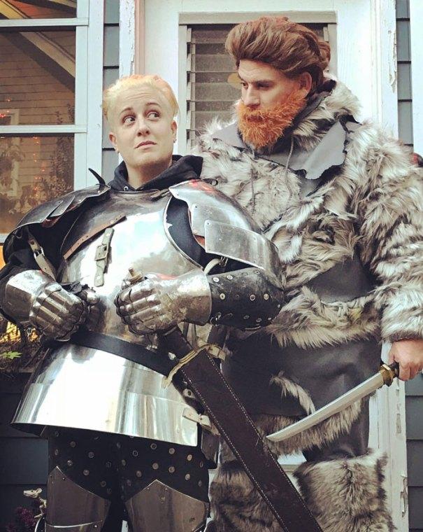 5dba98168e489 Halloween Couple Costume Ideas 203 5dada4a821e57  700 - Casais que apavoraram em suas fantasias para o Halloween